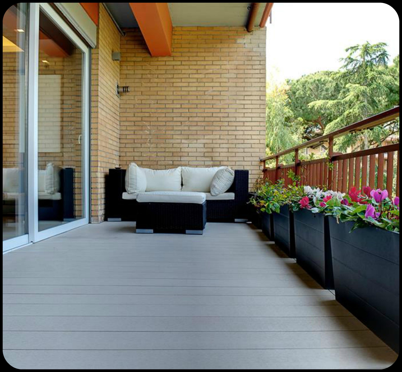 Parquet per esterno, bello e resistente, rende il tuo balcone o ...