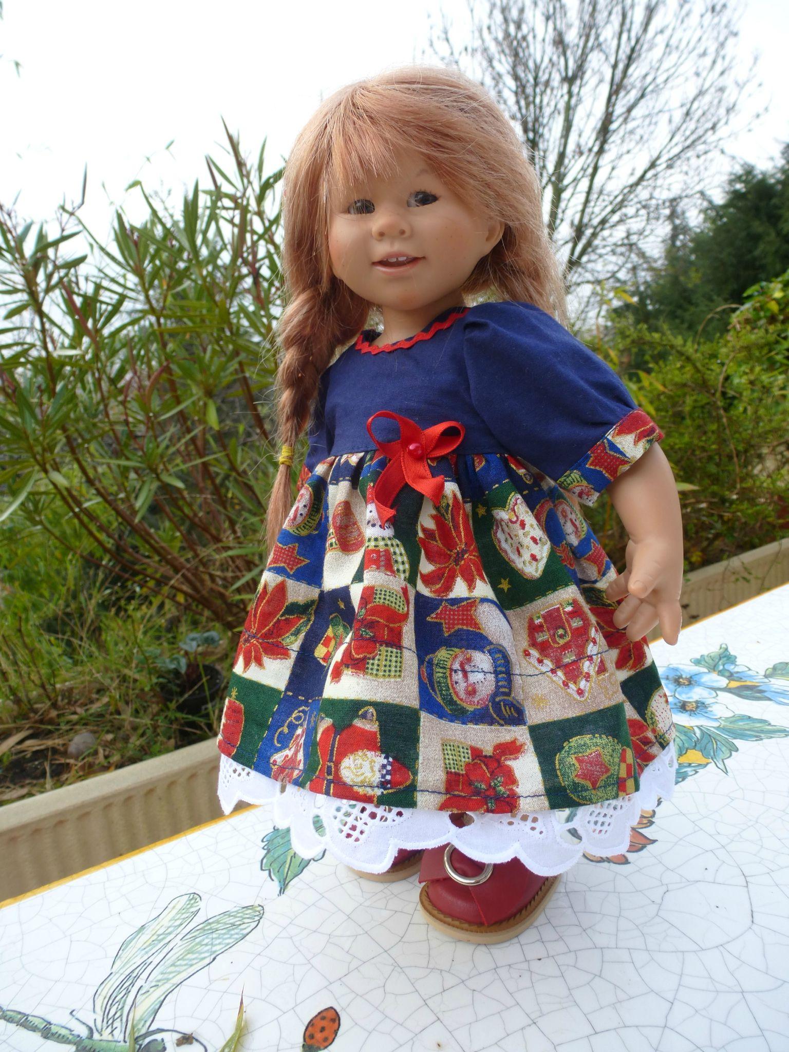 Petite robe de Noël, haut bleu marine, bas motifs Noël... disponible...15 € et 2,20 fdp - De Fil En Couleurs