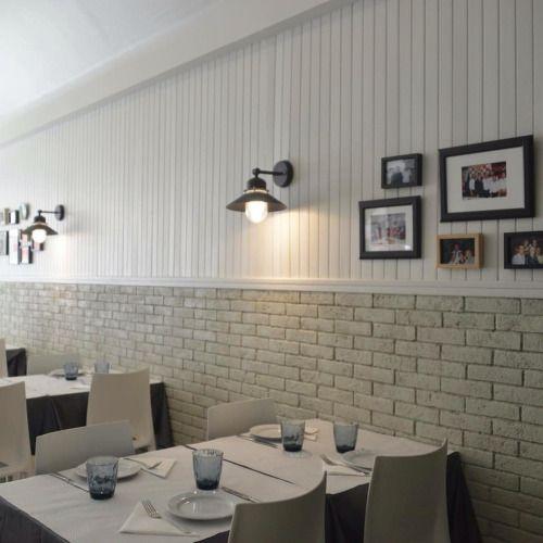 Ref 603 Terracota para Revestimento 20x5x2 cm - Forra em parede, pintada em branco Veja mais em http://terracotadoalgarve.com/revestimentos-em-terracota