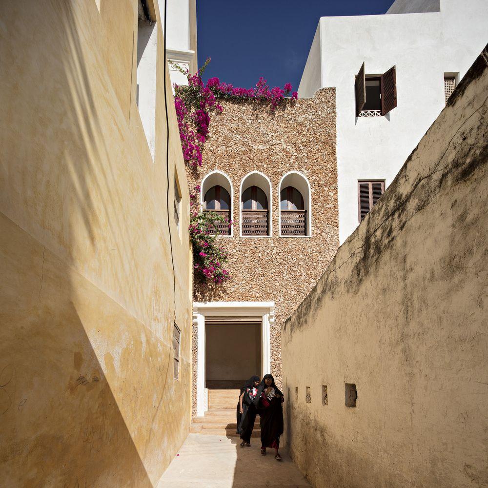 Gallery of Swahili Dreams Apartments / Urko Sanchez