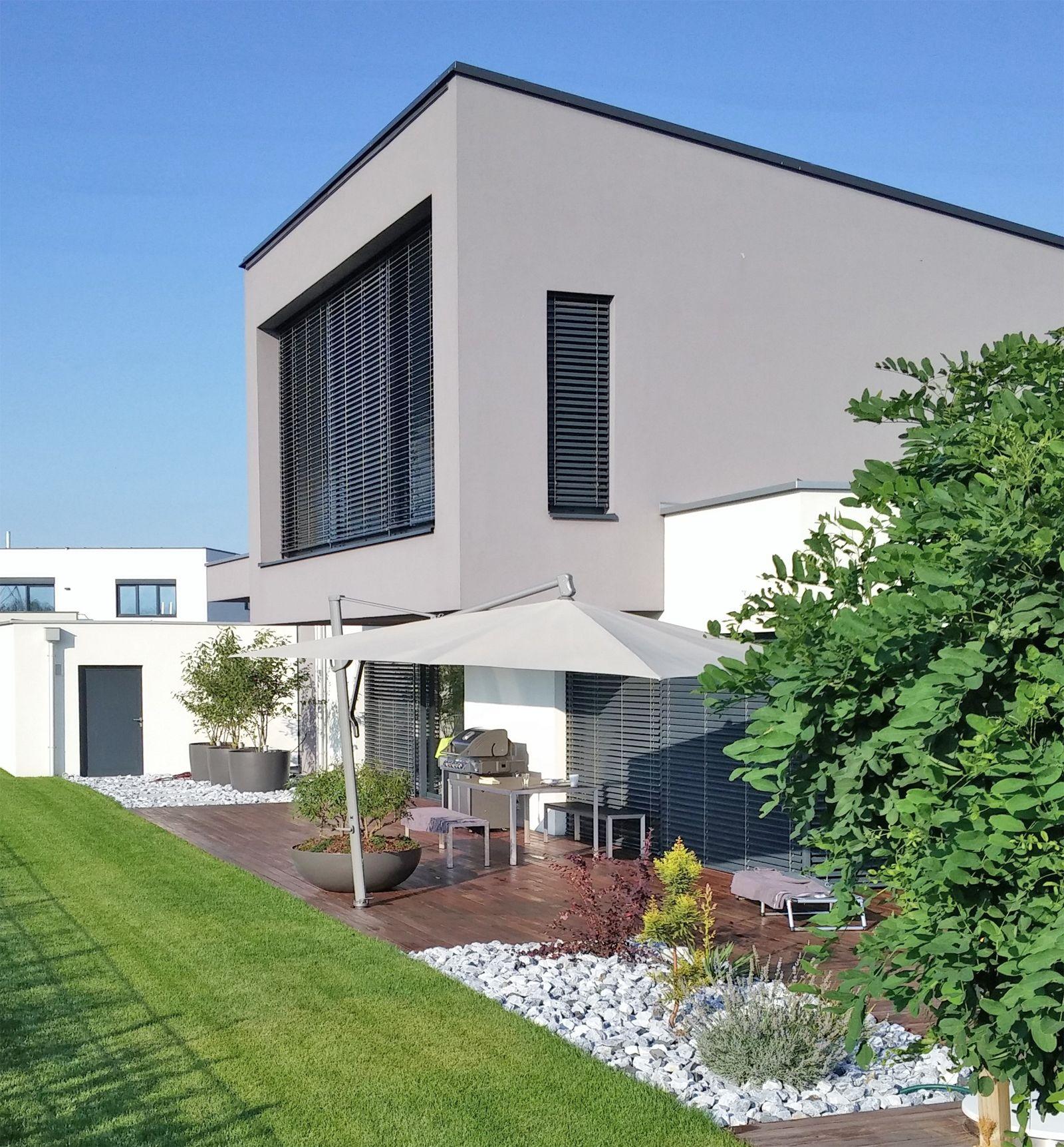 Fassadengestaltung modern stein  WhiteCube – ein modernes Architektenhaus in Wiener Neustadt ...