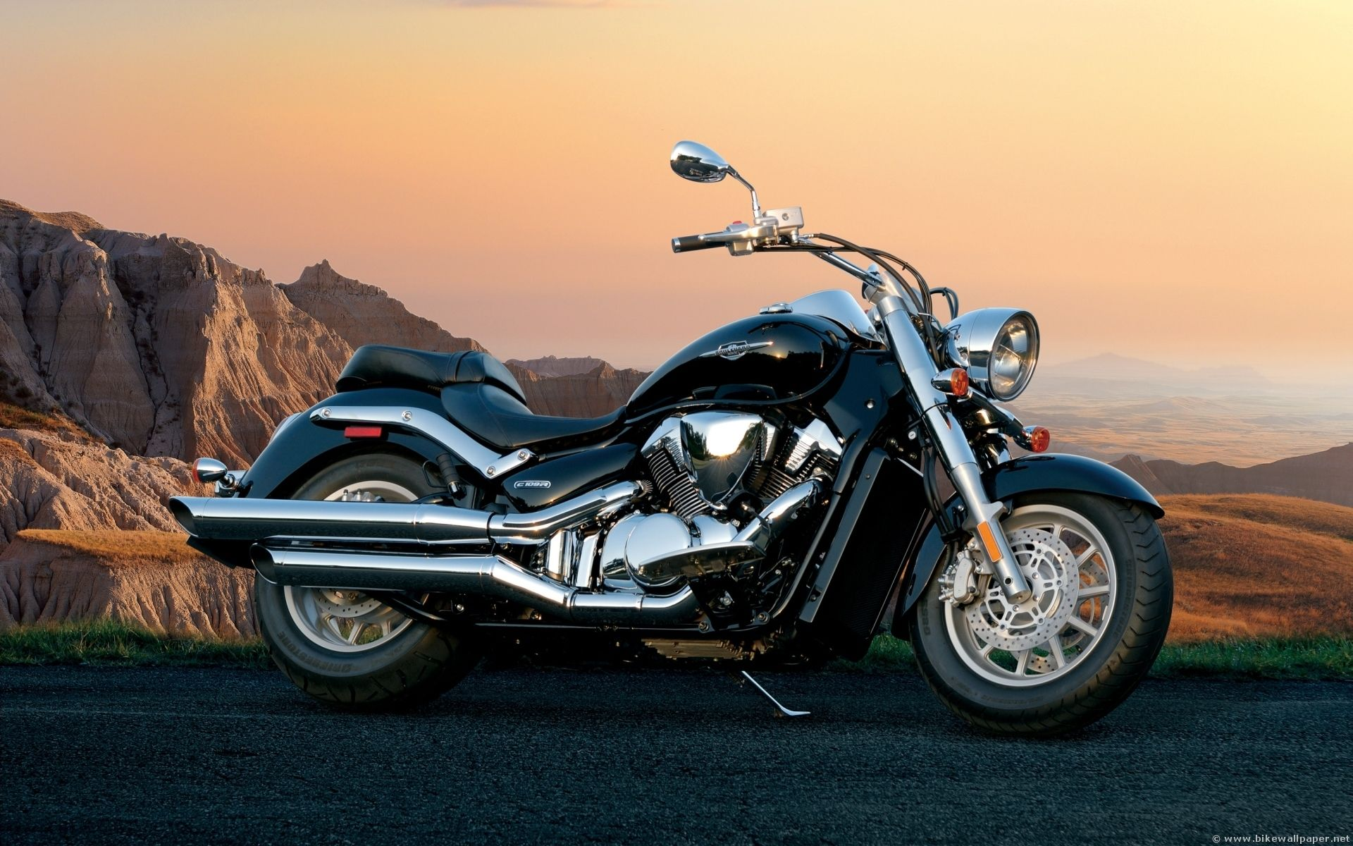 Naults power sports sport touring motorcycles from honda and suzuki