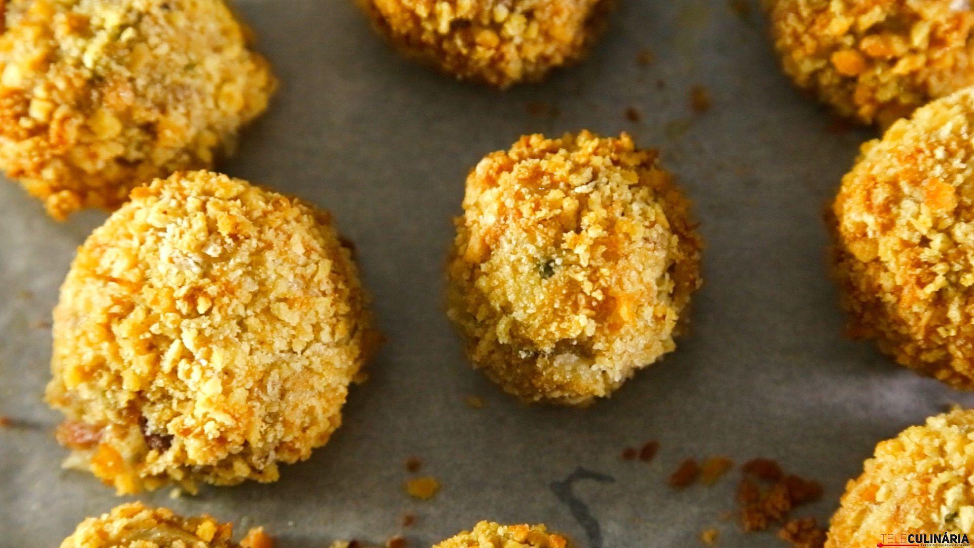 Receita de Croquetes de alheira. Descubra como cozinhar Croquetes de alheira de maneira prática e deliciosa!