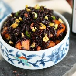 Black Venus Rice Salad with Roasted Sweet Potatoes and Pistachios....I love black rice!