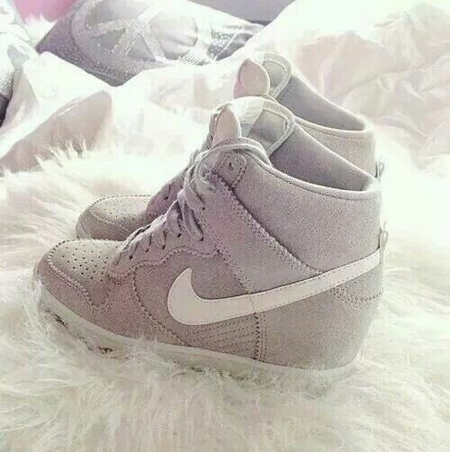 nike compensee grise et blanc