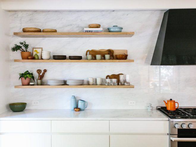 Sneak A Peek Lauren S Warm Modern Kitchen The Effortless Chic Warm Modern Kitchen Warm Modern Modern Kitchen