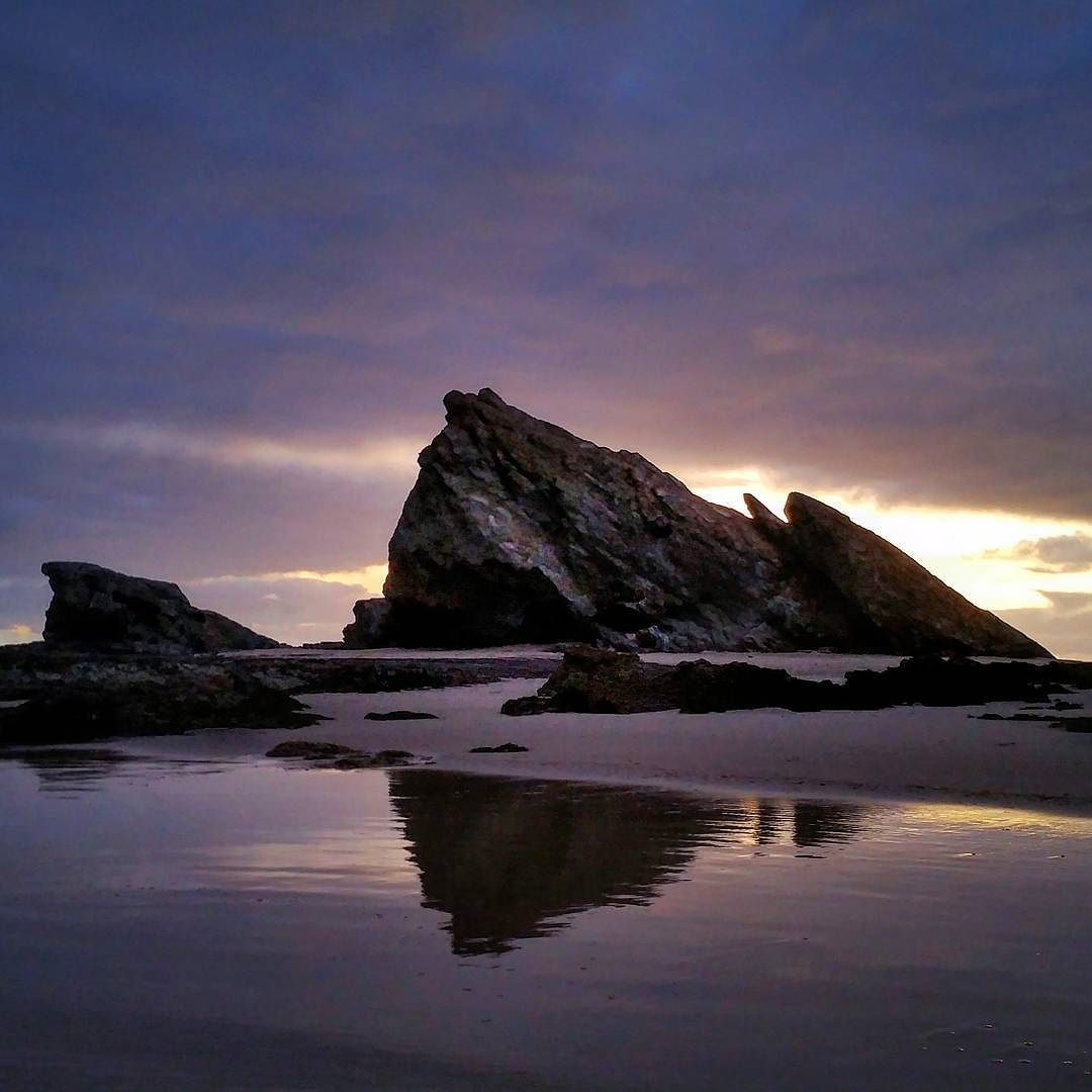 #the4223 #currumbinbeach #sunrise #beach #rocks #clouds #cloudporn #skyporn #nature #natureporn #visitgoldcoast #goldcoast #australia #australiagram #goodmorning by lorne.gerlach http://ift.tt/1X9mXhV