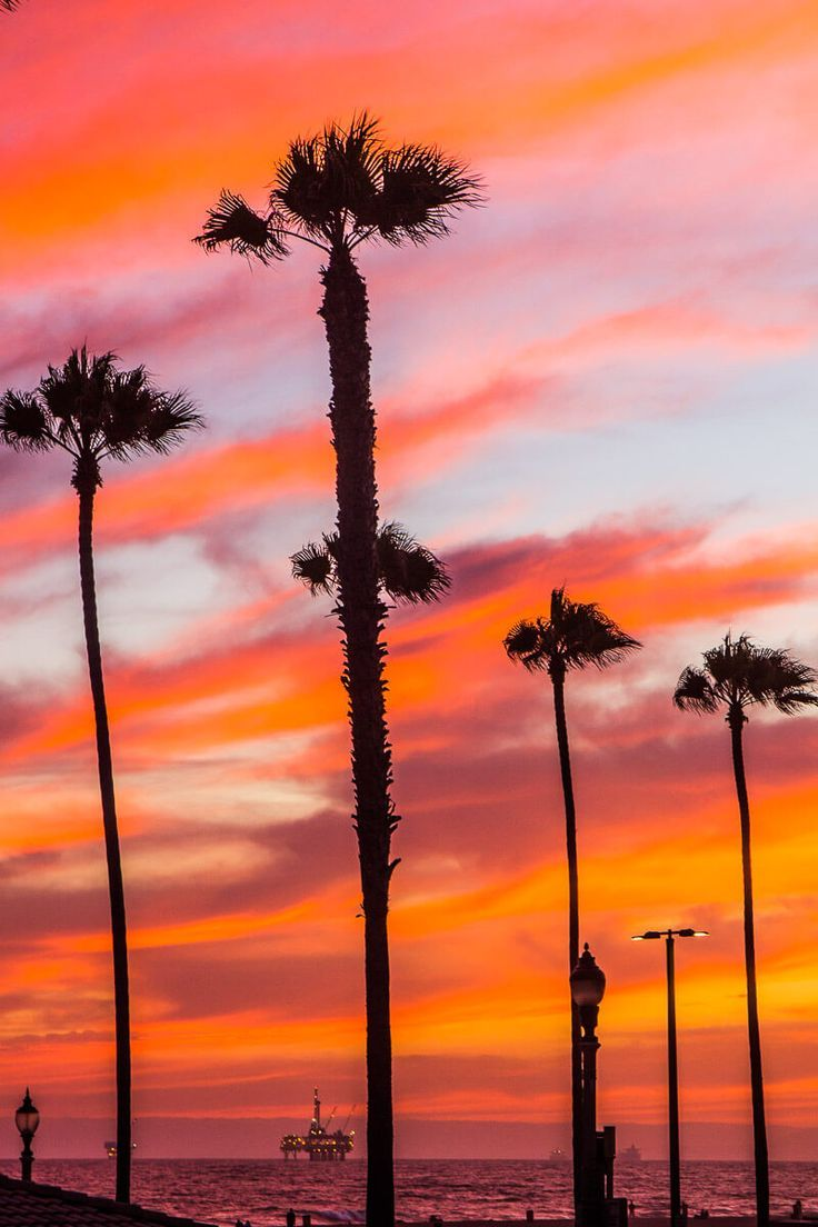 Sunset In Huntington Beach California One Of The Best Places To Visit