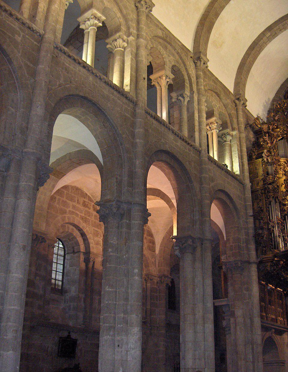 Catedral de santiago de compostela vista de la nave ciudades y pueblos arquitectura romana - Arquitectos en santiago de compostela ...