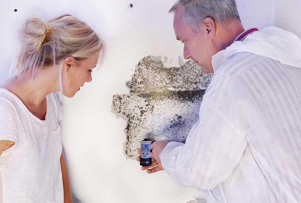 Comment Isoler Un Mur Humide? Comment Traiter Des Murs Humides? Il Existe  Des Solutions Pour Isoler Un Mur Humide Et Lutter Contre La Condensation  Des Murs.