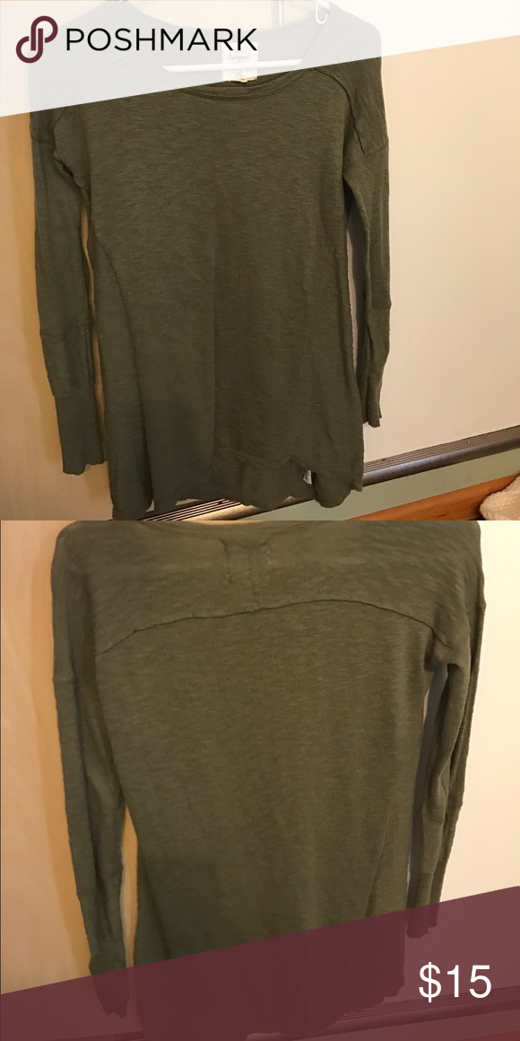 Olive Green lightweight sweater boutique Boutique brand size small sweater has slight high-low. Worn once and arms were too short for me! between me and you Sweaters