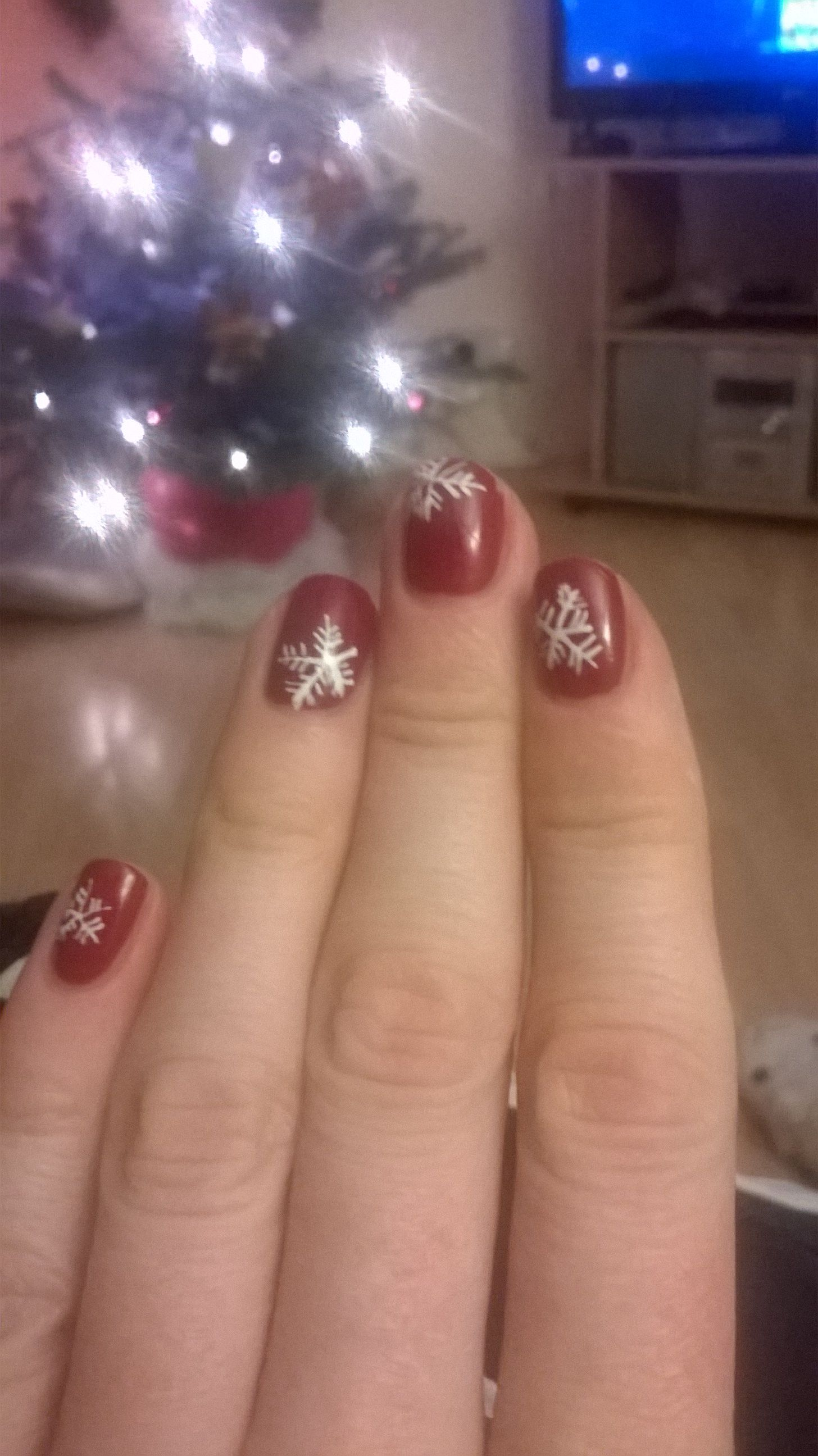 Trying a bit of Xmas nail art with Vinylux Rose Brocade and a Barry M nail art pen - ok to do with your dominant hand, not so much with the other one! :)