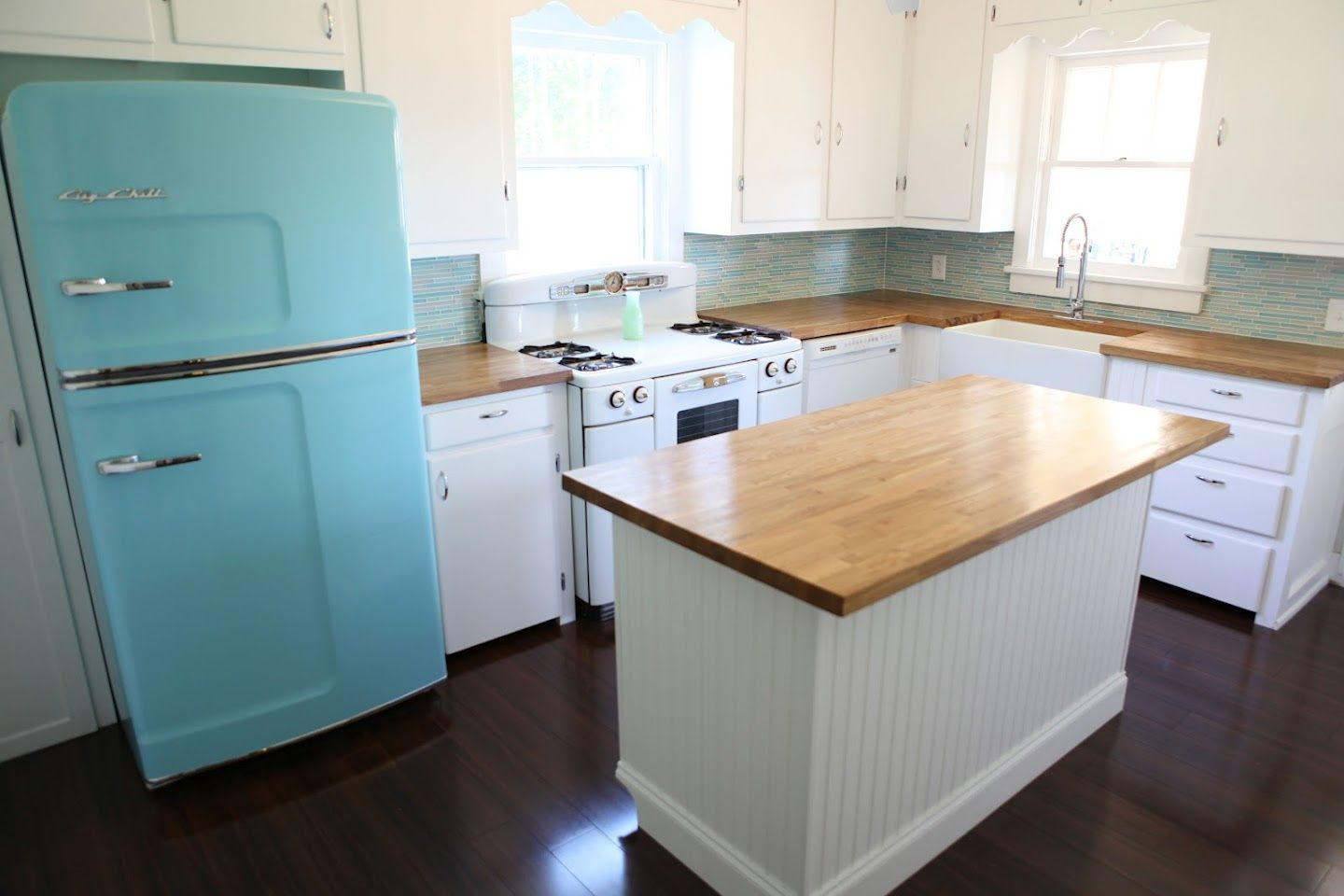 50\'s kitchen remodel with retro \