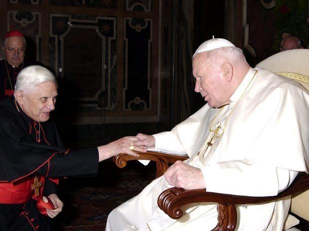 A primeira entrevista de Bento XVI como Papa emérito talhou o perfil de santo de João Paulo II.
