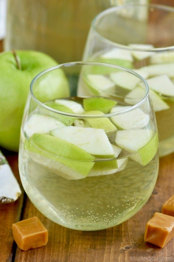 This caramel apple sangria is only four ingredients and it - Olive garden green apple sangria ...
