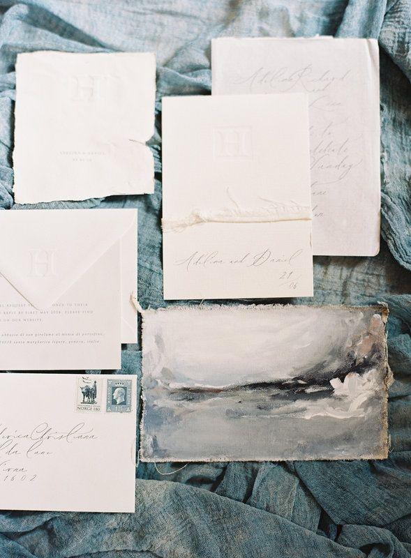 This art inspired invitation suite looks very elegant and romantic.
