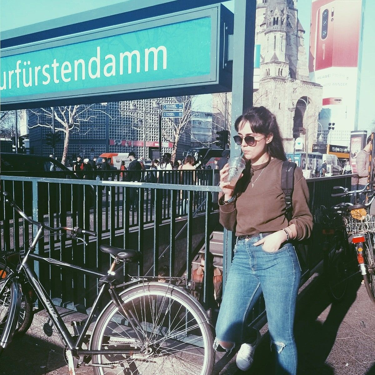 BERLIN🇩🇪 #travel #vsco #p5effect #berlin #italiangirl #drinking #tumblrgirl #bestmoment