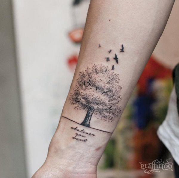 55 tree tattoo designs tattoo ideen frauen hoffnung. Black Bedroom Furniture Sets. Home Design Ideas
