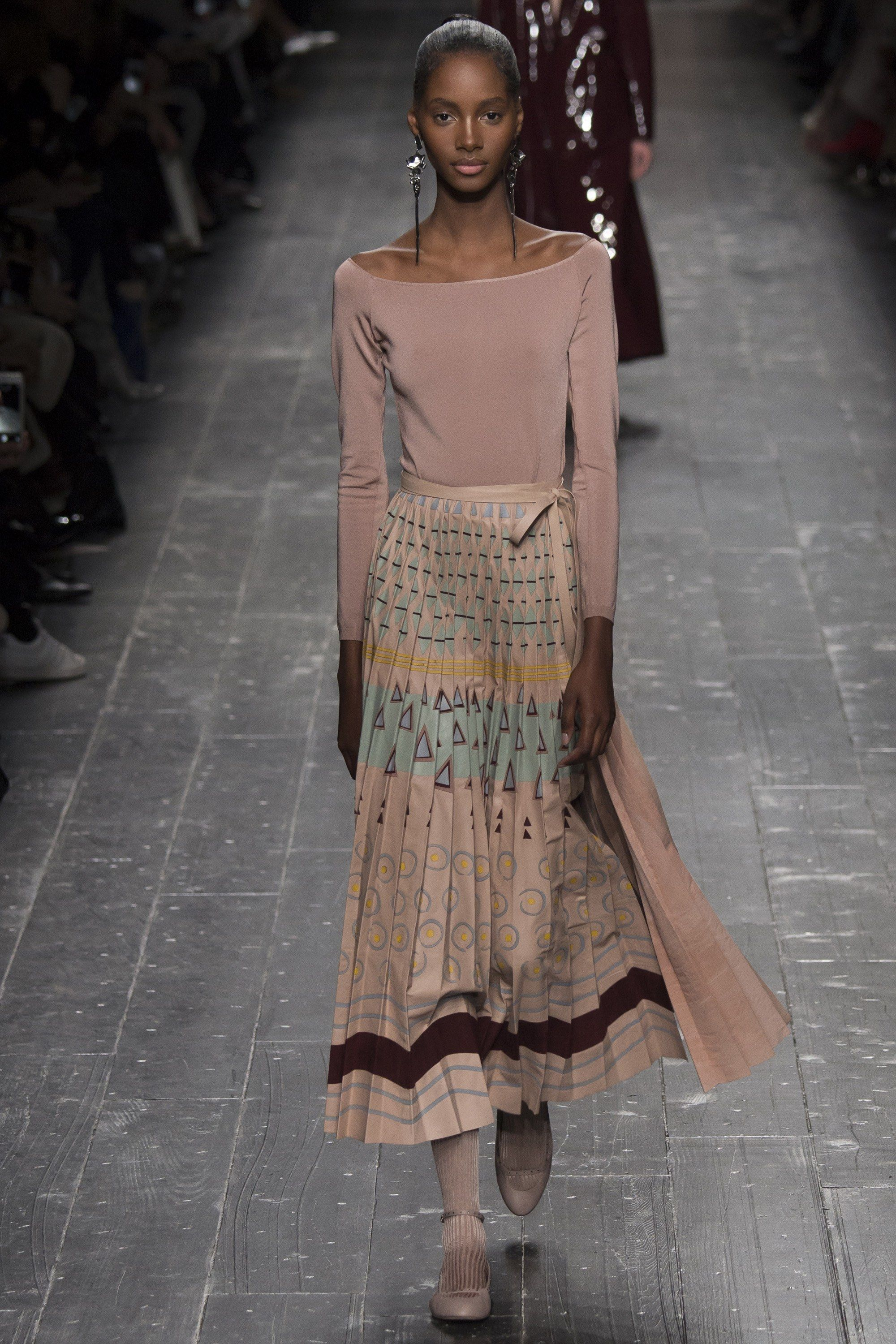 Valentino Fall 2016 Ready-to-Wear Fashion Show - Tami Williams (Elite)