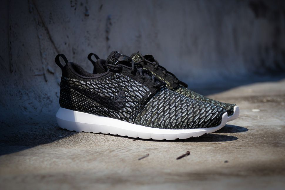 the best attitude a81e5 06050 Nike Flyknit Roshe Run NM