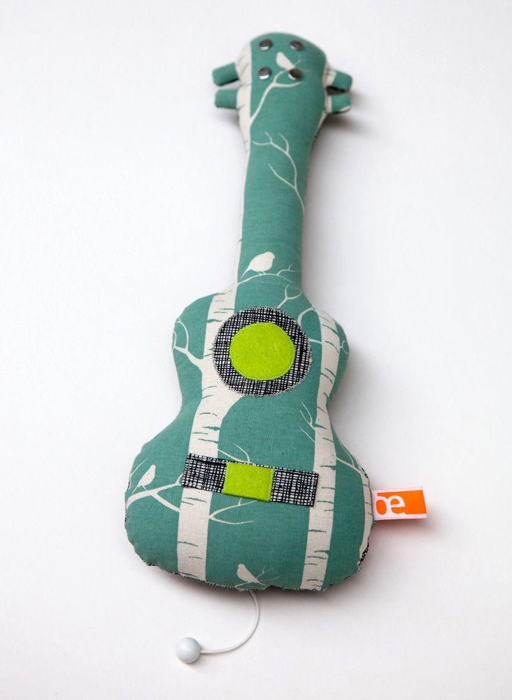 """Image of Petit ukulélé boîte à musique * modèle """"Arbres et oiseaux"""", @Olivelse"""