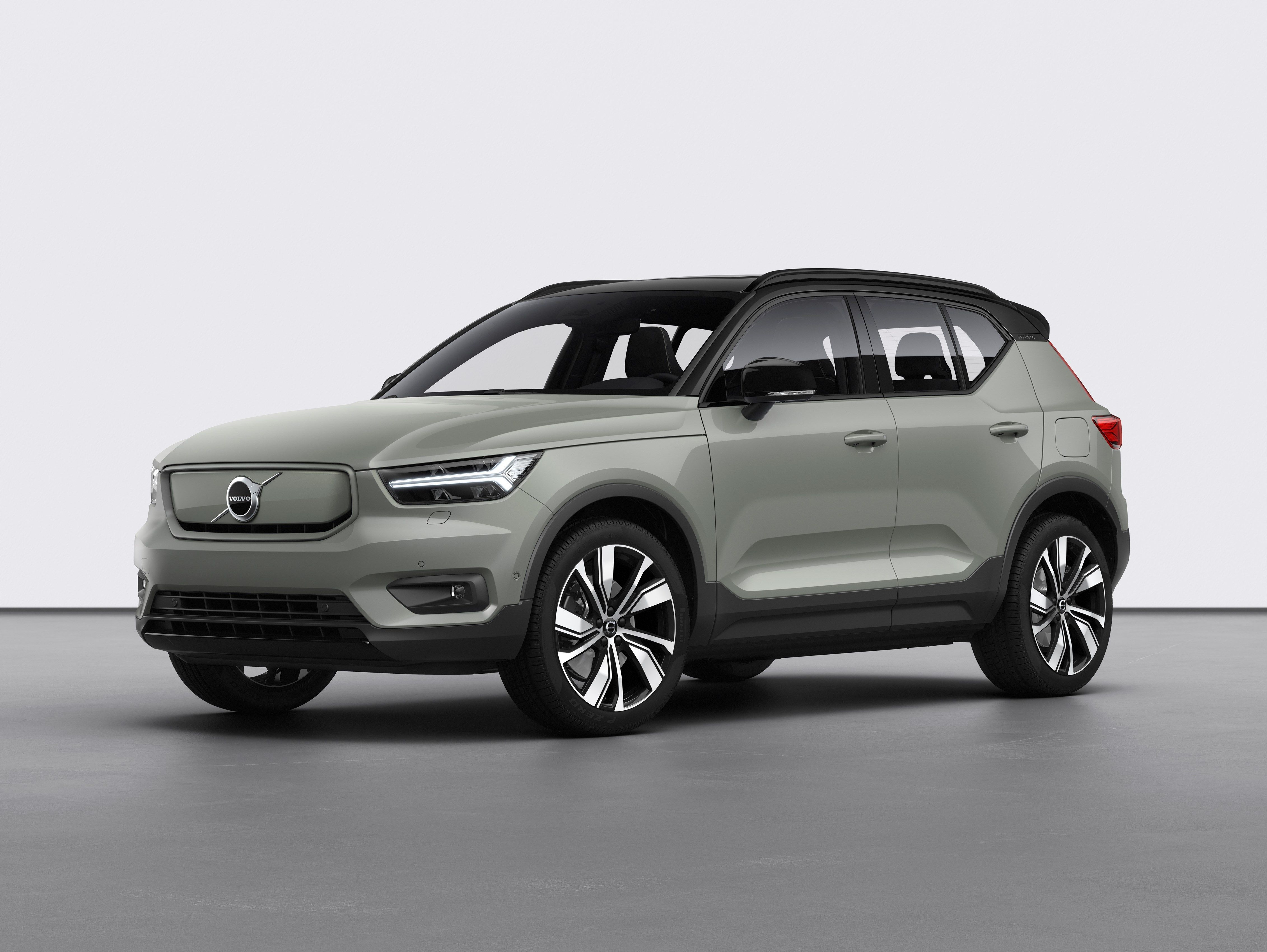 Volvo Xc40 Recharge A 408 Hp Electric Suv Will Be Here In A Year Volvo Electric Cars Electric Car
