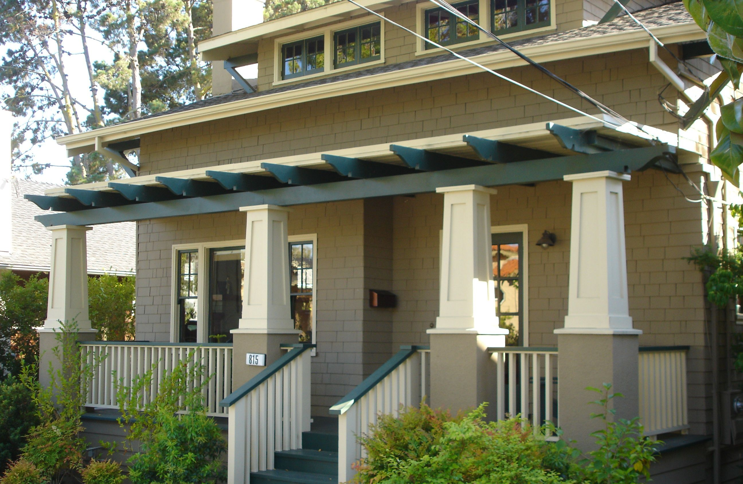 Burlingame craftsman columns bungalows and the arts for Craftsman columns
