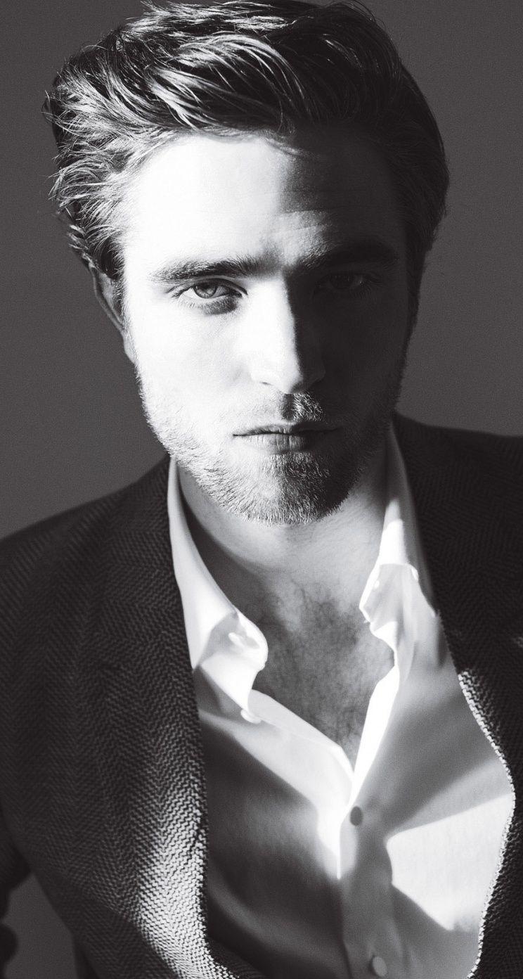 Robert Pattinson fans furious at Sexiest Man poll foto
