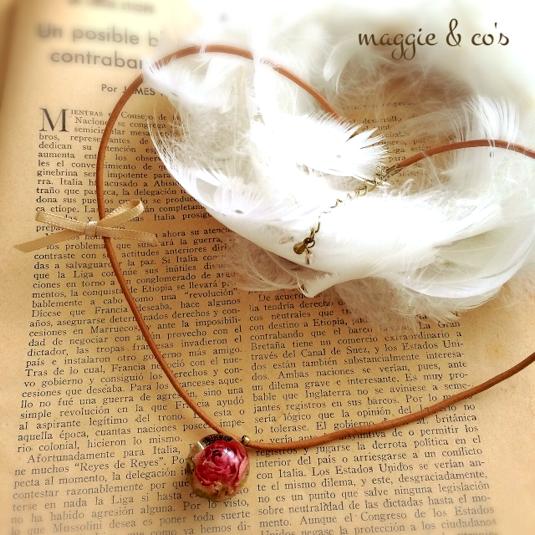 minne(ミンネ)| 【アウトレット・送料無料】リボン付きビー玉レジンのローズチョーカー/rose mable choker with ribbon
