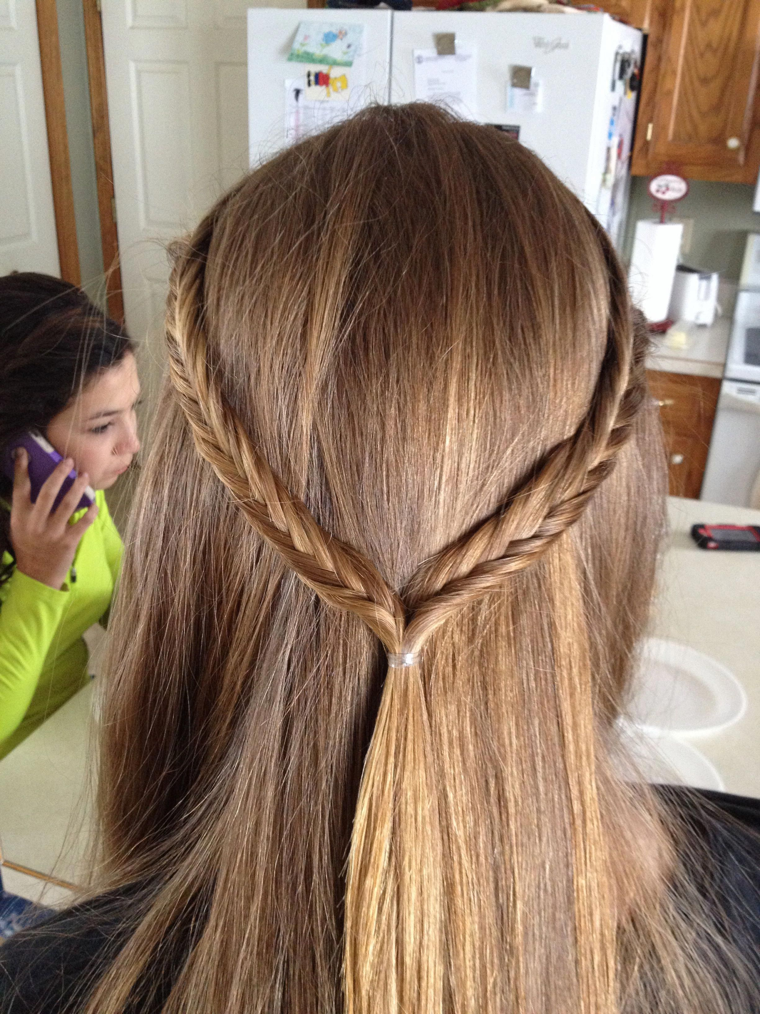 Straight Hair With Fishtail Crown Everyday School Quick Hairstyle Long Hairstyles Homecoming Hair Straight Hairstyles Long Hair Styles Homecoming Hairstyles