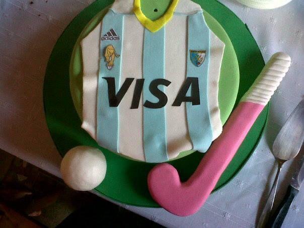 Field Hockey Cake B Day Birthday Argentina Leonas Alma De Budin Nicole Tortas De Hockey Tortas Deportivas Tortas De Cumple