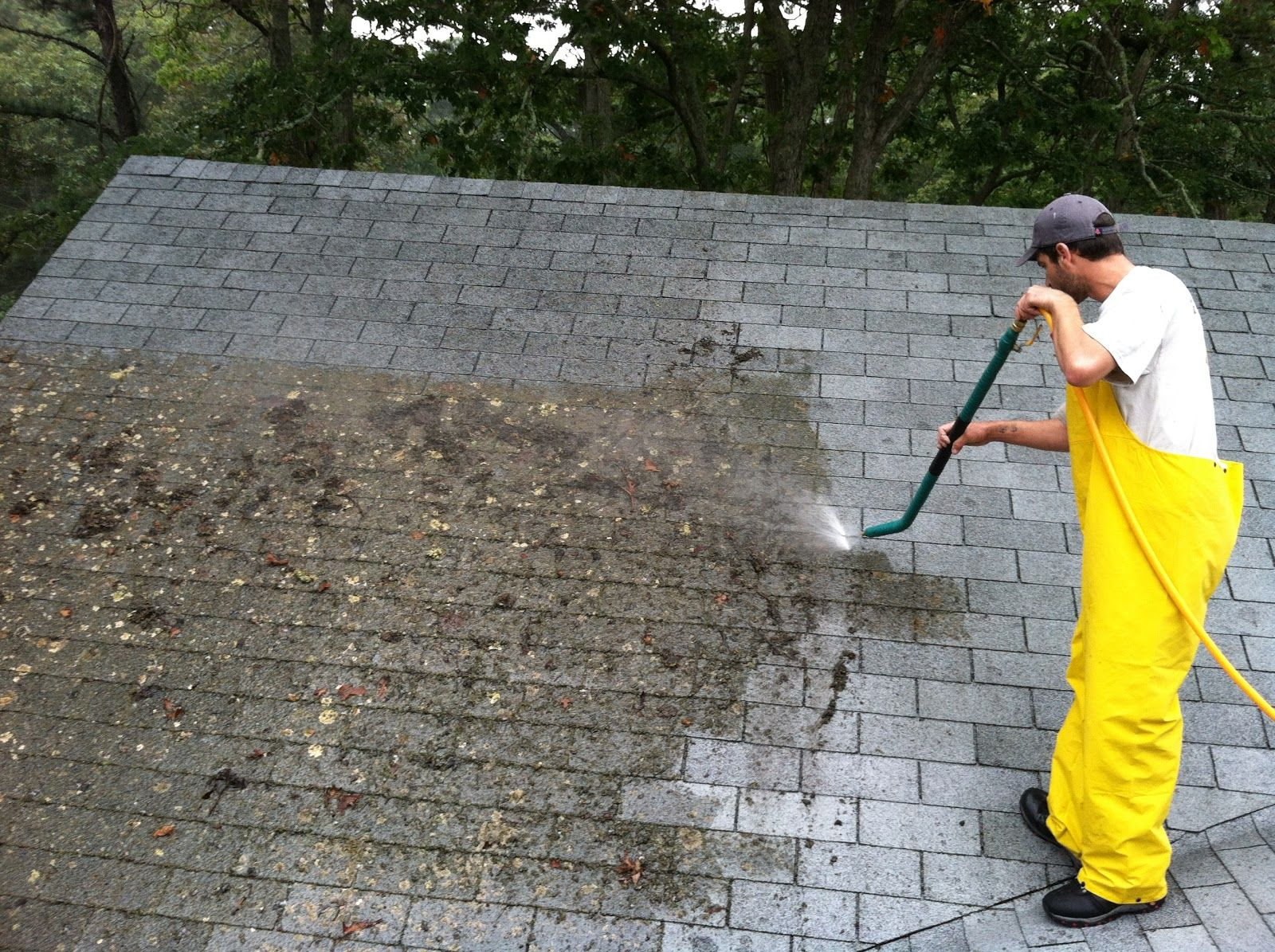 Roofmasters Is The Best Pressure Cleaning Company In Jupiter Contact Us Immediately To Extend The Life Of Roof Cleaning Roof Restoration Concrete Roof Tiles