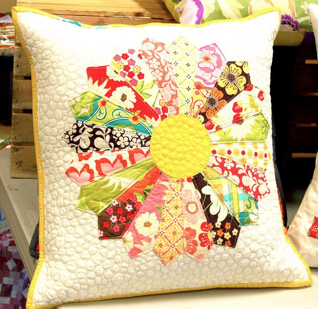 Pillow sham Quilted pillow cover 16-inch pillow sham Housewarming gift Hostess gift Square Dresden Plate Pillow Cover Dresden plate.
