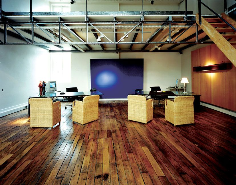Minimal structure plywood loft and flooring | Home ...