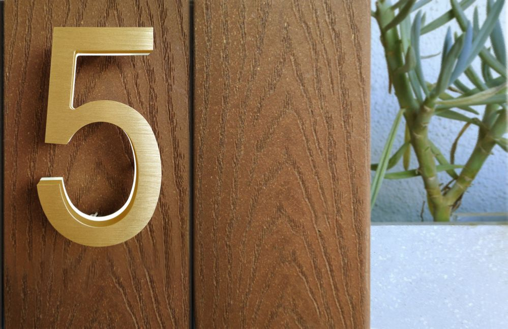 Modern Brass Led Numbers Illuminated Your Front Entrance Door With These Cool Modern Looking 5 Inch Numbers Available With White Or Amber Led Illumination