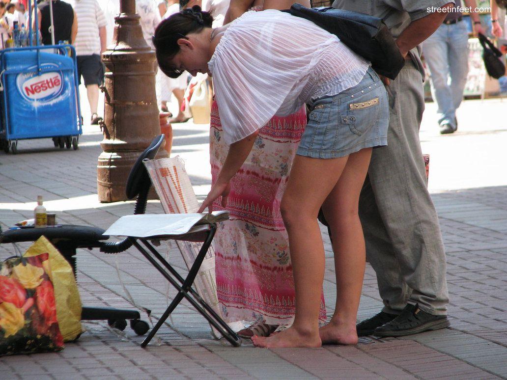 Girl Walking Nude Public