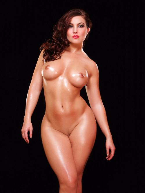 naked women with pretty breast