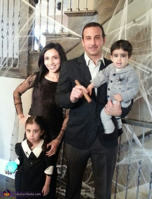 addams family halloween costume contest at