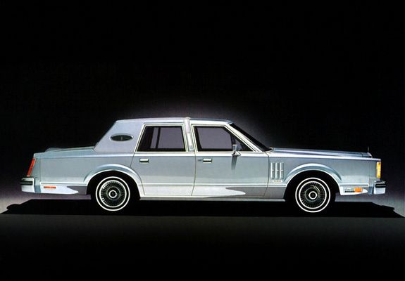Lincoln Continental Mark VI 4-door Sedan 1980–83 photos   Brougham