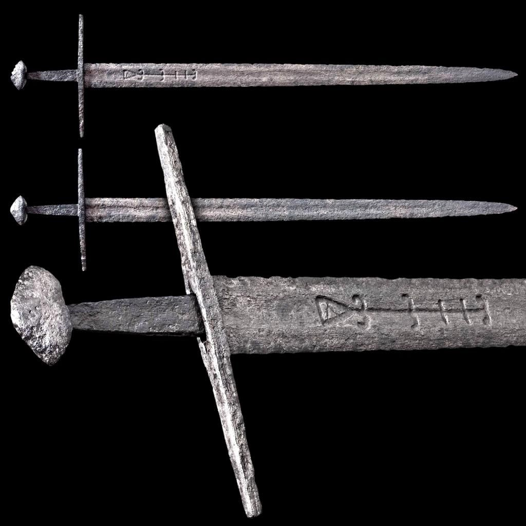 """Oakeshott Type X to Type XII Transitional Medieval Sword, Overall length 99.5 cm / 39.17""""  Read more: http://sword-site.com/thread/1127/oakeshott-type-transitional-medieval-sword#ixzz439U7IDkg"""