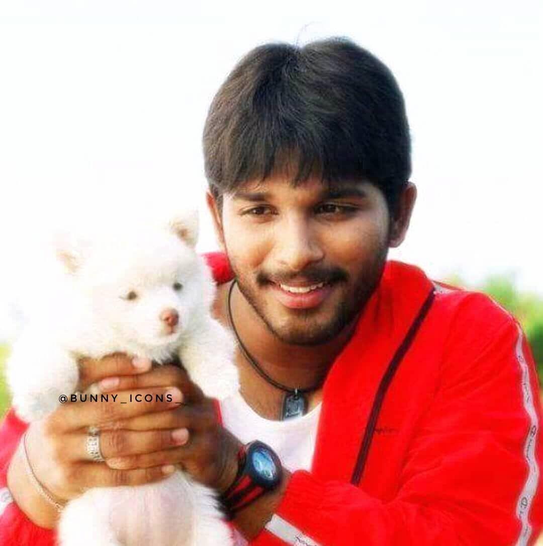 Have A Cool Evening Aarya Movie Still Alluarjunonline Allusnehareddy Alluarjun Cute Boys Images Allu Arjun Images Allu Arjun Wallpapers
