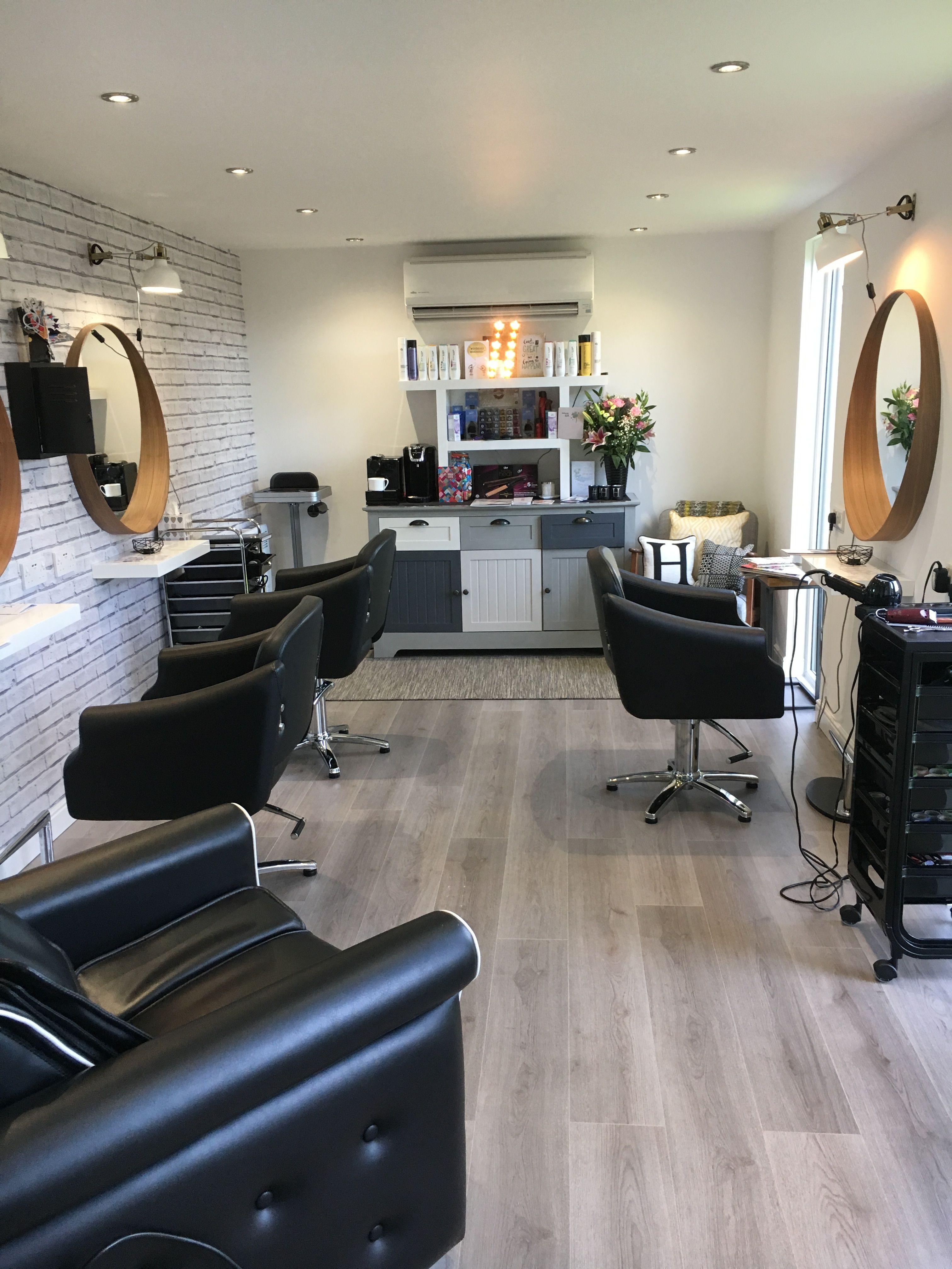 Home hair salon. Hair cabin, HiltonHair.com. home salon (con