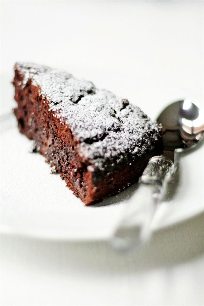 Chocolate and Zucchini Cake #cake #recipes