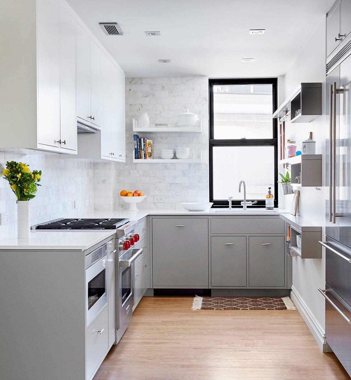 Deco Cuisine Gris Et Blanc 30 Gorgeous Grey And White Kitchens That Get Their Mix Right