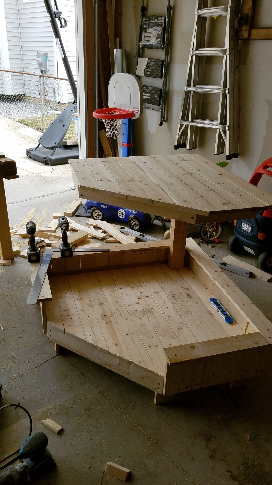 Dog bed and corner table with repurposed wood in 2020