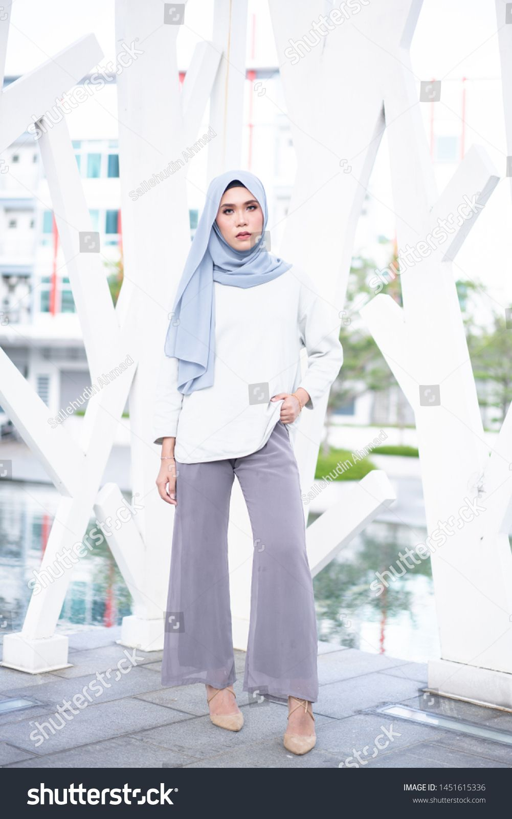 Beautiful Young Model In Fashionable Hijab Style Posing In Urban Environments Stylish Muslim Hijab Fashion In 2020 Fashion Lifestyle Styled Stock Images Young Models