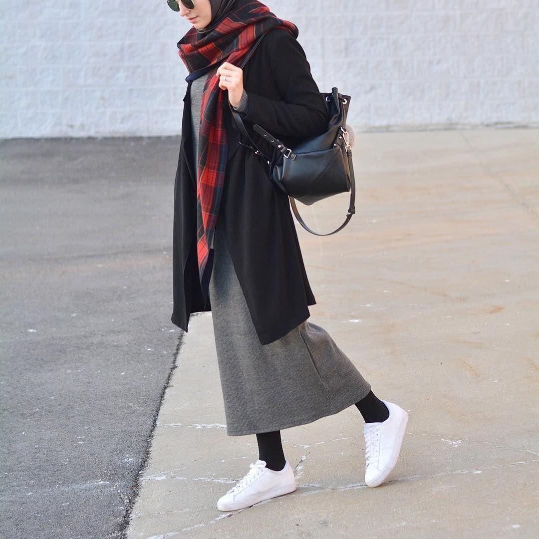 I absolutely loved running errands in this get up Today: in my @minikterzi knit maxi dress & plaid scarf #minikterzi by elifd0gan