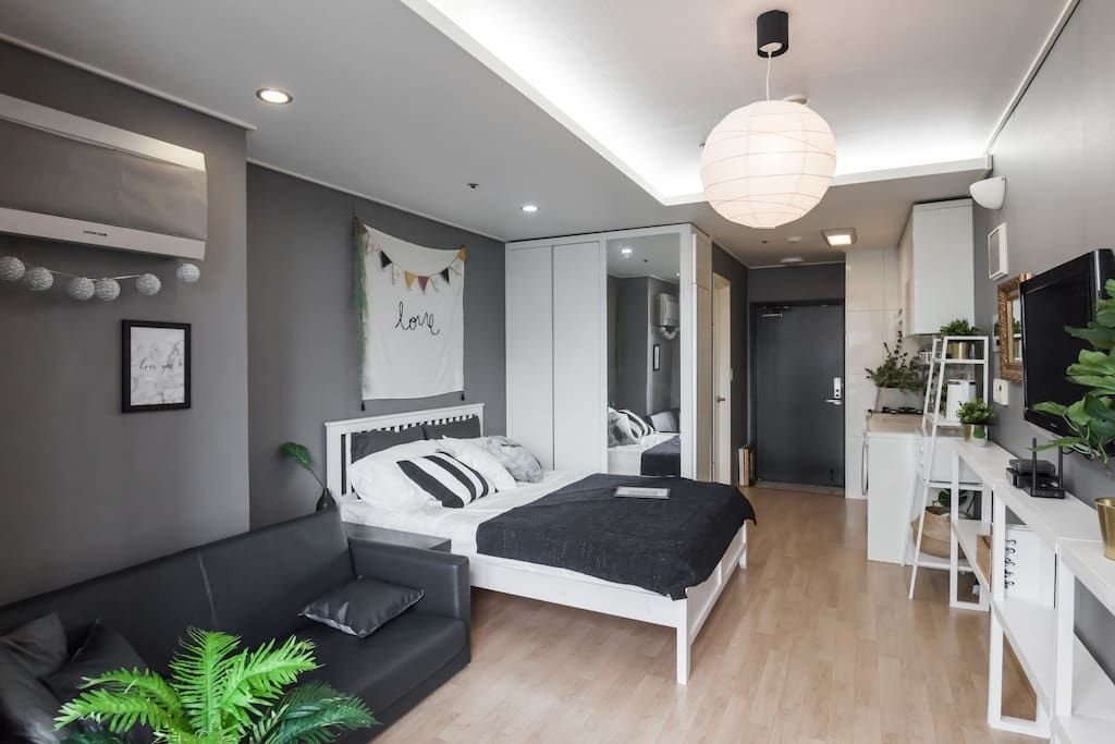 Open Sale Nearest Hongdae 30sec From Gongdeok Apartments For Rent In Gongdeo Apartment Dining Room Small Apartment Living Room Minimalist Apartment Decor