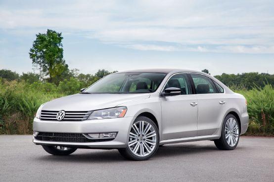 2014 Volkswagen Passat Sport Priced At 27 295 Motor Trend Wot Volkswagen Passat Volkswagen Car Volkswagen