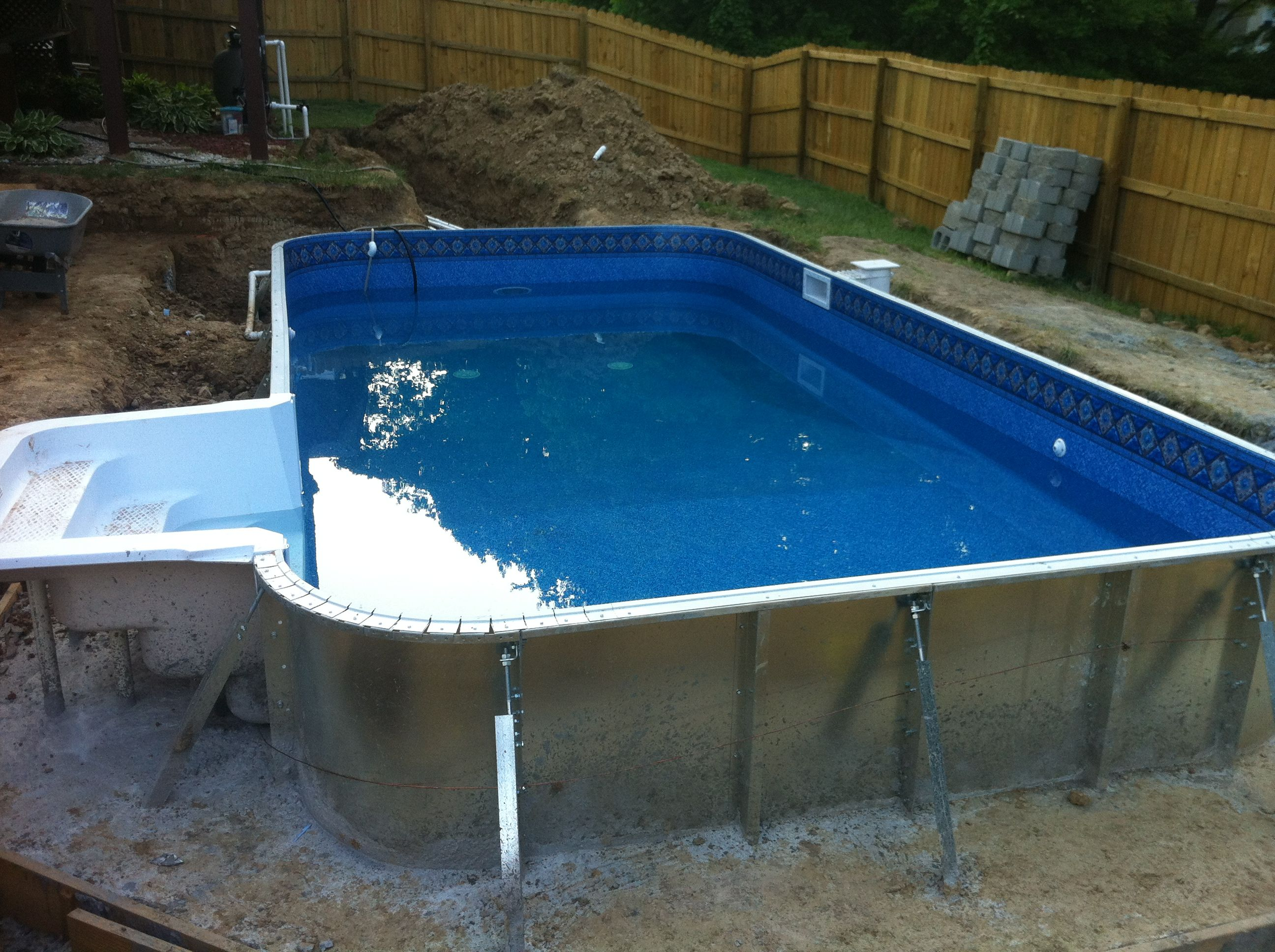 The swimming pool liner goes in quick and easy swimming pool pool spa solutioingenieria Gallery